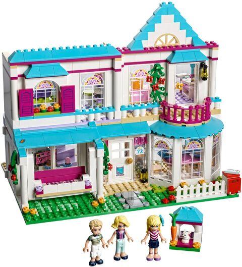 File:Stephanie-s-House-set-build-41314-600x600.jpg