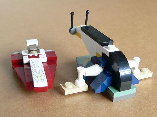 File:4478 MINI Jedi Starfighter & Slave I.jpg