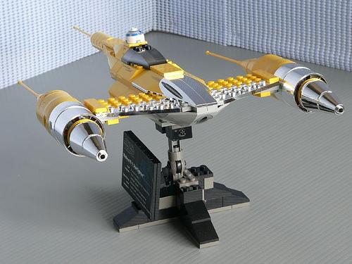 File:10026 Naboo Starfighter.jpg