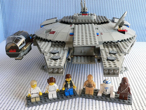 File:7190 Millennium Falcon.jpg