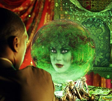 File:Madame leota jennifer tilly.jpg