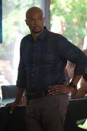 Damon Wayans Sr. (Roger Murtaugh) 2