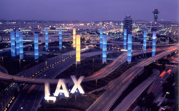 File:LAX Pylons2.jpg