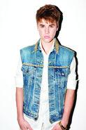 Justin-Bieber-Pressebilder-08-2011