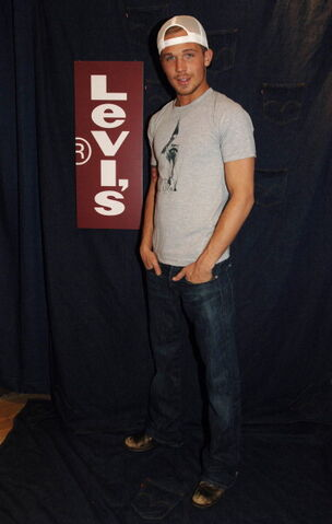 File:Cam-gigandet-at-levis-dry-goods-during-2006-park-city-le 003.jpg