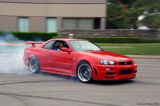 File:Nissan Skyline GT-R Drifting.jpg