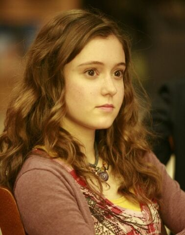 File:Hayley McFarland (tvs - Lie To Me) - Emily Lightman.JPG
