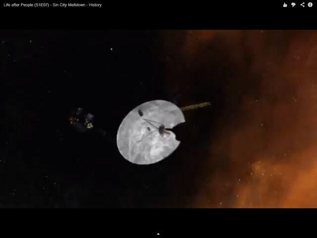 File:Voyager spacecraft in Sin City Meltdown.jpg