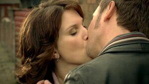 Samannie kiss