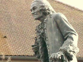 VoltaireStatueFerney-Voltaire