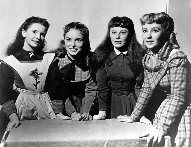 File:1949 Sisters Standing.jpg