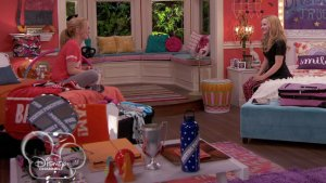 File:Liv and Maddie Bedroom.jpg