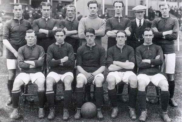 File:LiverpoolSquad1914-1915.jpg