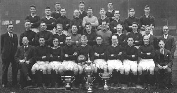 File:LiverpoolSquad1930-1931.jpg