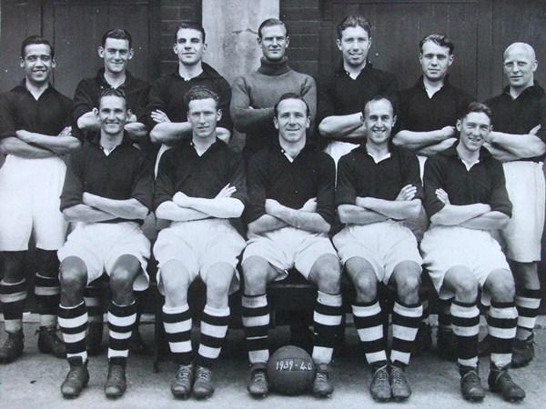 File:LiverpoolSquad1939-1940.jpg
