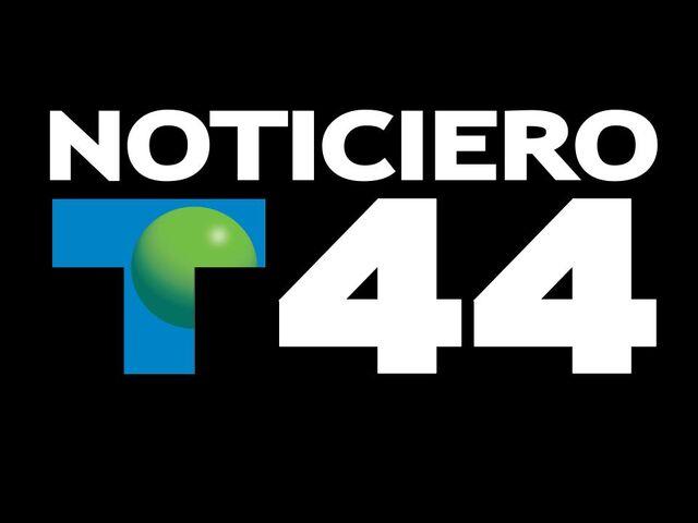 File:WSNS Telemundo Noticiero 44 90s logo.jpg