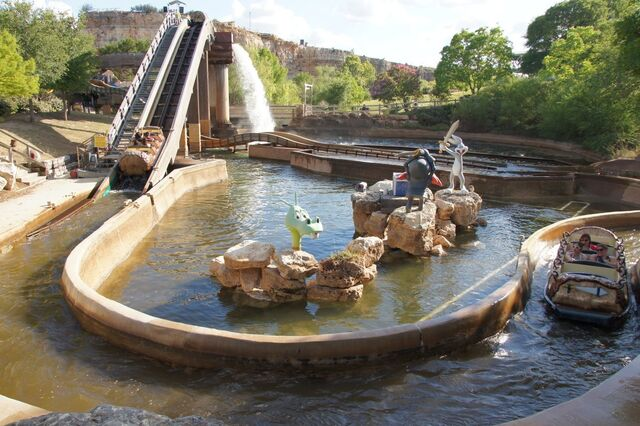 File:Bugs White Water Rapids.jpg