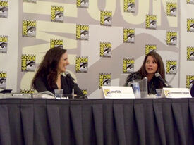 Anna Silk and Emmanuelle Vaugier (2011 SDCC)