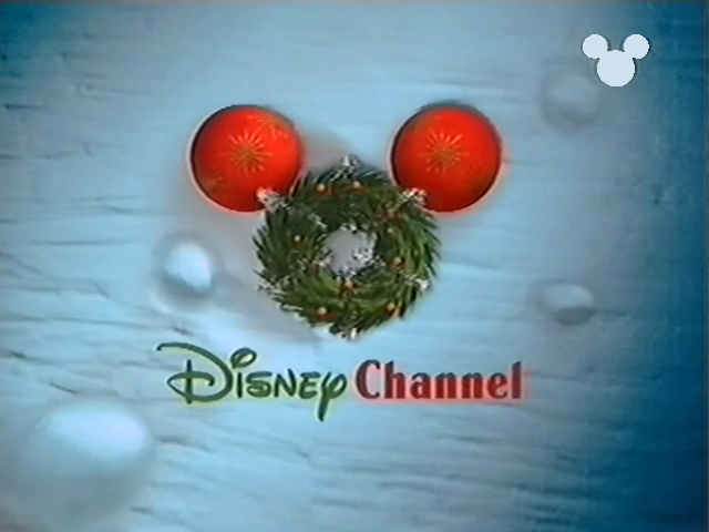 File:DisneyChristmasWreath1999.png