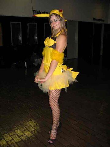 File:Female pikachu cosplay 001.jpg