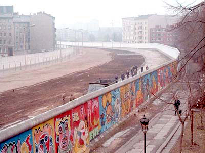 File:Berlin wall.jpg