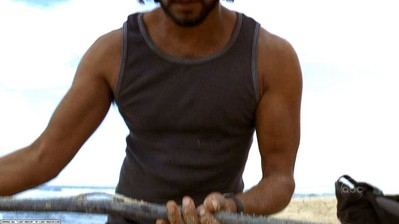 File:Sayid finds cable.jpg