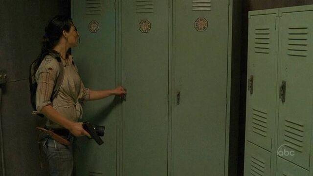 Ficheiro:Locker room.jpg