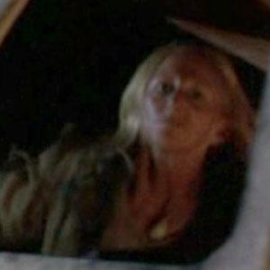File:1x24-molotov-woman-square.jpg