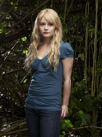 File:Lost Season4 Claire5.jpg