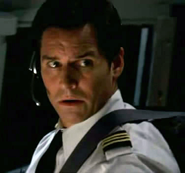 Archivo:5x09-flight-316-co-pilot-jack-ross.jpg