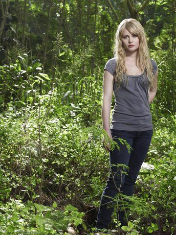 File:Lost Season4 Claire3.jpg