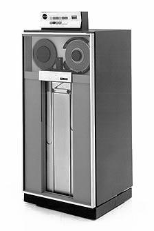 Ficheiro:IBM 3420.jpg