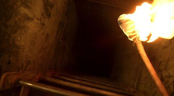 File:Ep2x01-hatch shaft.jpg