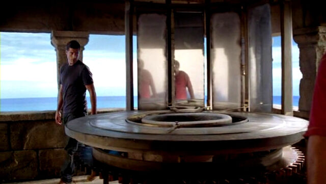Archivo:Lost.s06e05-lighthouse.jpg