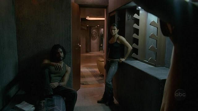 Ficheiro:Sayid Ana hanged Ben.jpg