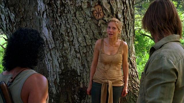 Archivo:Sayid Juliet and Sawyer.jpg