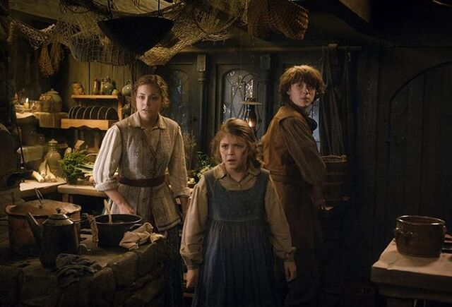 File:Sigrid, Tilda and Bain.jpg