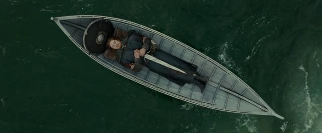 File:Boromir's body on boat - FOTR.png
