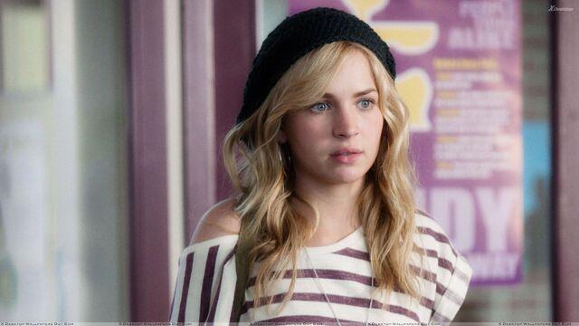 File:Britt Robertson Wearing Black Cap N White Lining Top.jpg