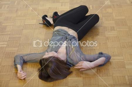 File:Dep 2880145-Unconscious-woman-on-the-ground.jpg