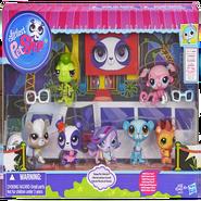 Hasbro toy 7 main pets