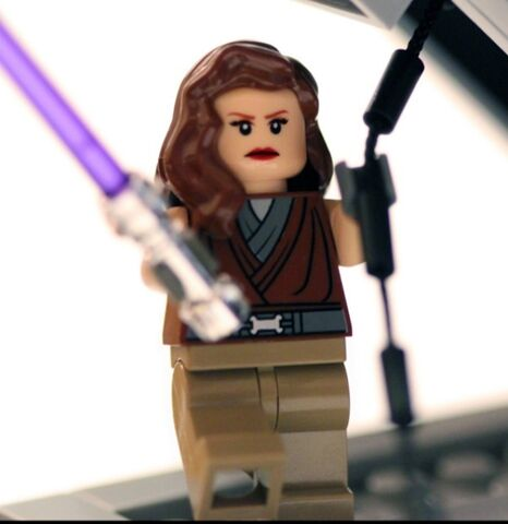 File:Custom LEGO Star Wars Jaina Solo Minifigure.jpg