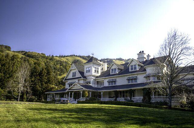 File:Skywalker Ranch Main House.jpg
