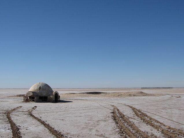 File:Chott el Djerid - Lars homestead.jpg