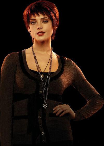 Alice Lovie4