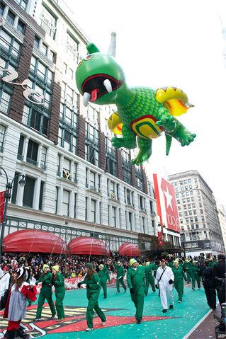 File:Rex-Happy-Dragon-Macys-Balloon.jpg