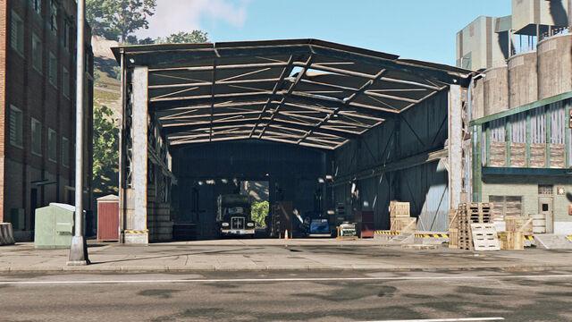 File:Truck Repair Shop 2.jpg