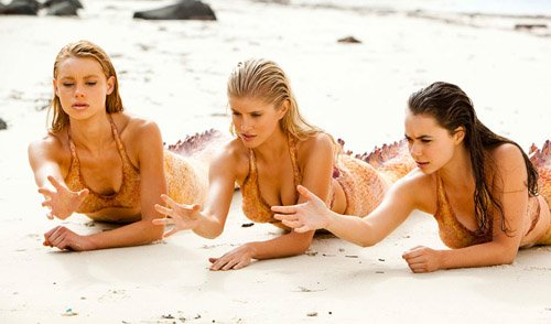 File:Mako Mermaids using powers on sand.jpg