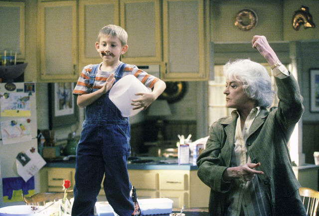File:Malcolm In the Middle - Set Still - S01E16 (3).jpg