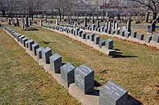 250px-RMS Titanic Graves in Fairview Cemetery
